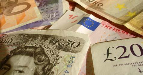 Bankovky - britské libry a eurá